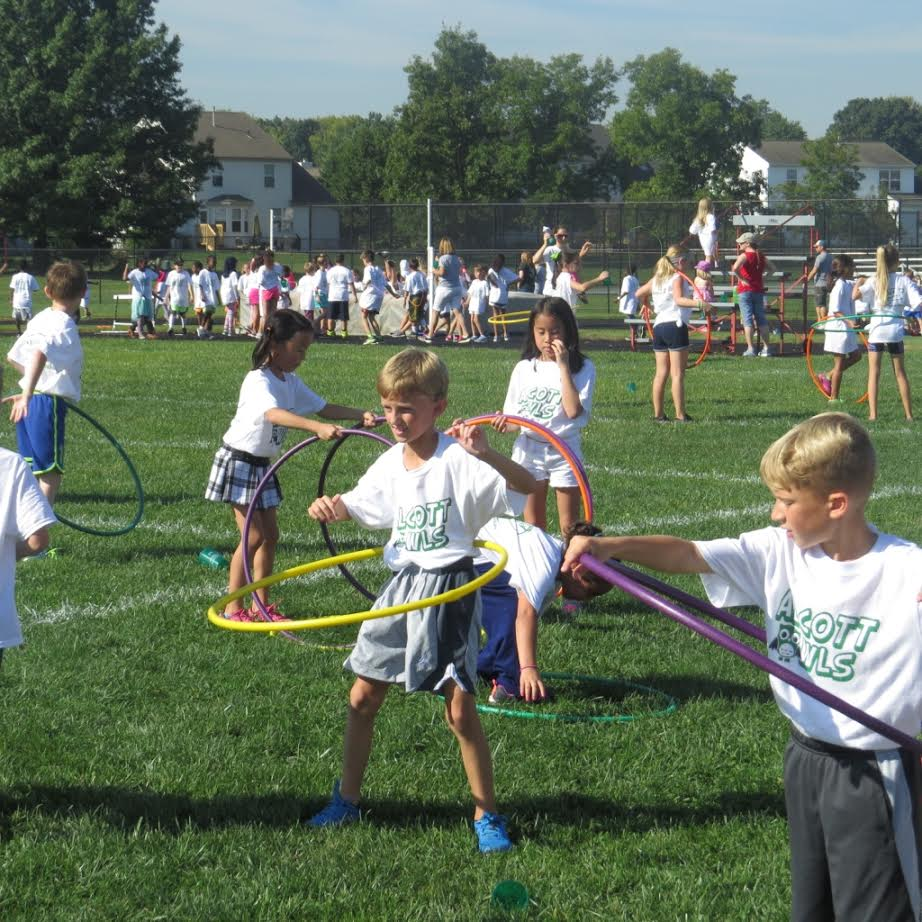 Picture of students outside Hula hooping