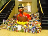 Alcott Community Brings in 2,500 Pounds of Food for W.A.R.M.