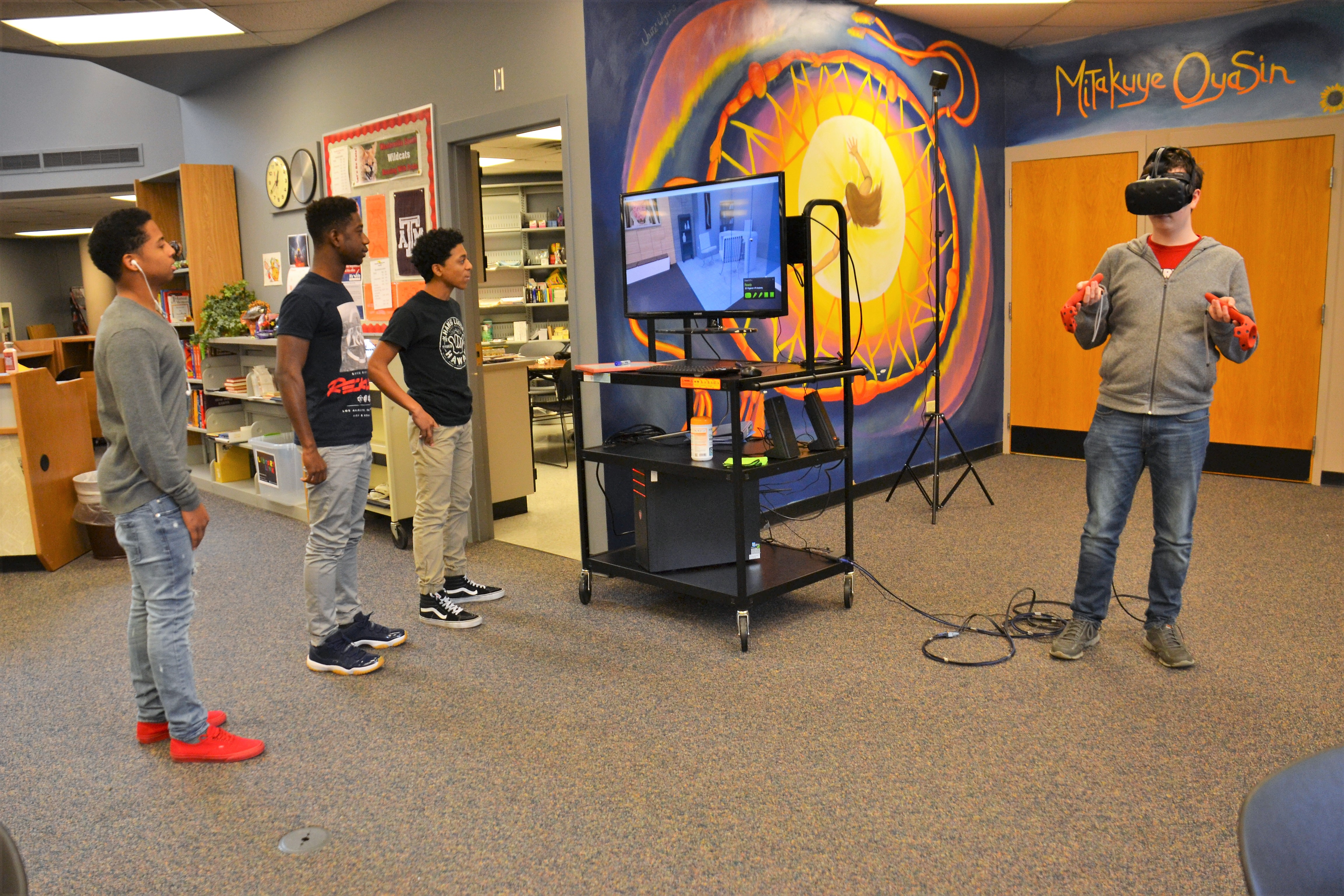 Student using the Virtual Reality Lab