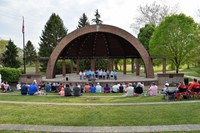 Whittier families enjoy the Alum Creek Amphitheater.