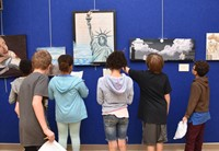 Hanby students observe the art